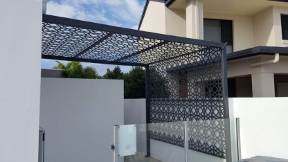 Lace Circles Pergola Decorative Screens