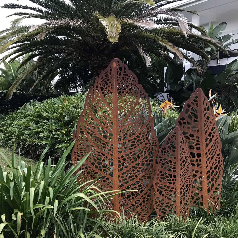 Garden Art Sculpture: Apple Leaf Garden Sculpture