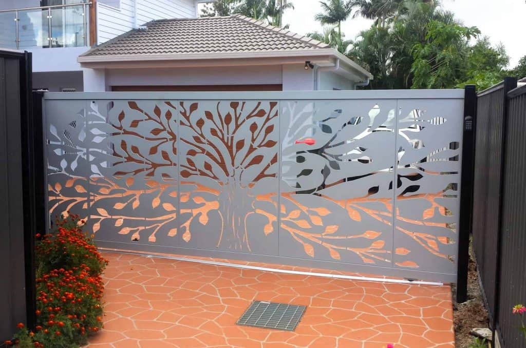 DECORATIVE ENTRY & DRIVEWAY GATES 1