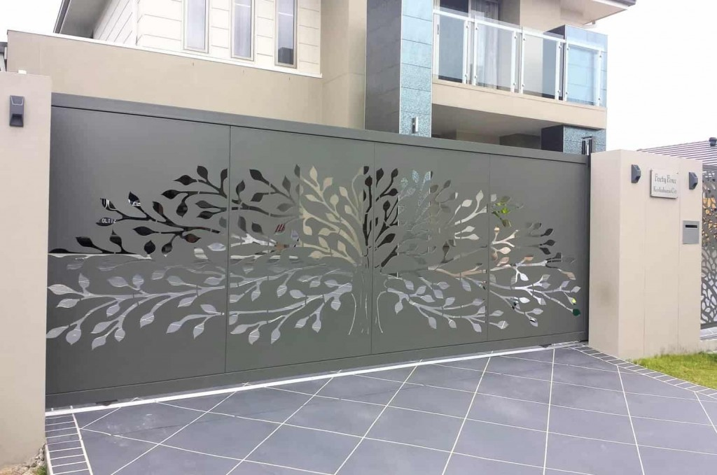 DECORATIVE ENTRY & DRIVEWAY GATES 2