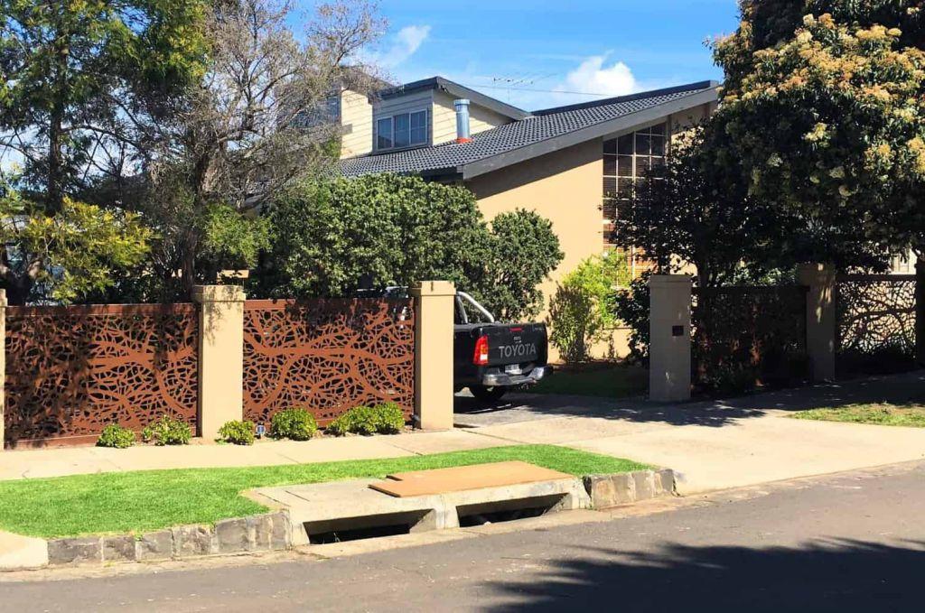 Vines Decorative Driveway Gate